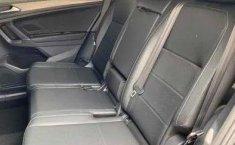 Volkswagen Tiguan Comfortline 5 asientos-1