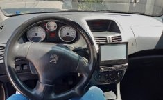 Pongo a la venta bonito funcional y familiar Peugeot 207-1