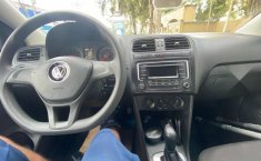 Volkswagen Vento Como nuevo-10
