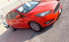 Ford Focus SE Hatchback-0