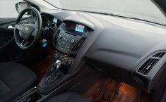 Ford Focus-11
