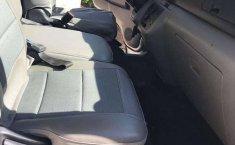Camioneta Nissan Urvan 2016 en excelentes condiciones-2