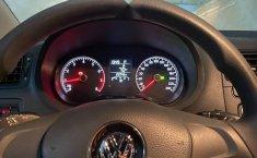 Volkswagen Vento Como nuevo-4