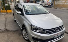 Volkswagen Vento Como nuevo-2