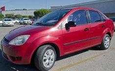 Fiesta 2006 Sedan 4 puertas, Excelentes condiciones Circula Diario-0