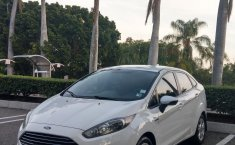 FORD FIESTA SE AUTOMATICO COLOR BLANCO OXFORD 2015-2