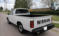 Nissan Pick Up 1993 Blanco-11