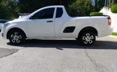 Camioneta pick up chrevolet tornado estándar blanca con aire acondicionado, lista para el trabaj-4
