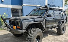 Jeep Cherokee XJ 4x4 1997 EQUIPADA-1