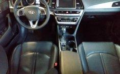 Hyundai Sonata-12