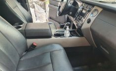 Ford Expedition 2011-1