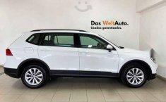 Volkswagen Tiguan 2019 5p Trendline Plus 1.4 L4/1.-10