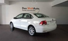 Volkswagen Vento 2020 4p Highline L4/1.6 Aut-9