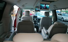 Chrysler Town & Country 2009-4