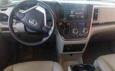Toyota Sienna 2015 5p XLE V6/3.5 Aut Q/C Piel-2