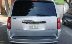 Chrysler Town & Country 2010 -3