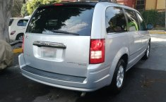 Chrysler Town & Country 2010 -4