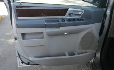 Chrysler Town & Country 2010 -5