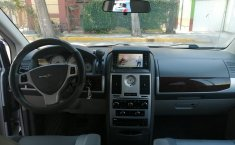 Chrysler Town & Country 2010 -8