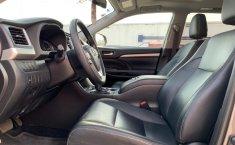 Toyota Highlander 2019 XLE-9