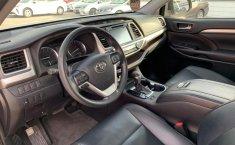 Toyota Highlander 2019 XLE-10