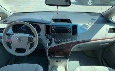 Toyota Sienna 2013 XLE-8