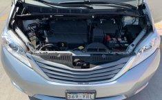Toyota Sienna 2013 XLE-1