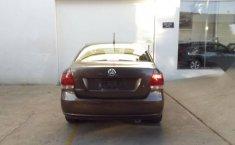 Volkswagen Vento 2015 1.6 Highline At-4