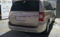 Chrysler Town & Country 2016 5p Li V6/3.6 Aut-11