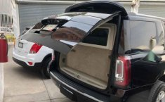 GMC Yukon 2019 5p Denali V8/6.2 Aut-3