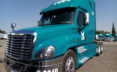 Tractocamion Freightliner Cascadia Raised Roof Modelo 2015-0