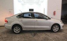 Volkswagen Vento 2016 4p Comfortline L4/1.6 Aut-15