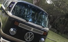 VW Combi 1981 recién restaurada -1