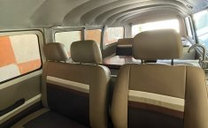 VW Combi 1981 recién restaurada -3