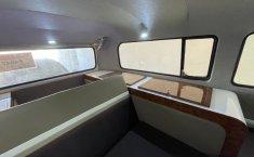 VW Combi 1981 recién restaurada -10