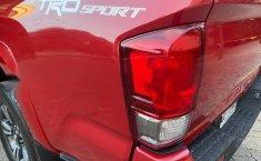Toyota Tacoma TRD Sport como nueva CRÉDITO-9