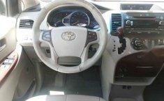 Toyota Sienna 2011 5p XLE aut piel-9