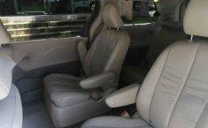 Toyota Sienna 2011 5p XLE aut piel-6