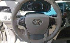 Toyota Sienna 2011 5p XLE aut piel-4