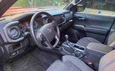 Toyota Tacoma TRD Sport como nueva CRÉDITO-5