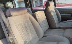 Suburban SLE guinda asientos de tela-4