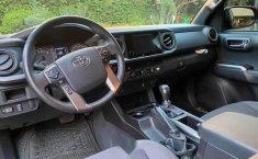 Toyota Tacoma TRD Sport como nueva CRÉDITO-3