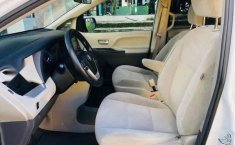 Toyota Sienna 2019 5p LE V6/3.5 Aut-1