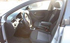 Volkswagen Vento 2018 4p Comfortline L4/1.6 Aut-3