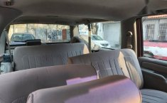Suburban SLE guinda asientos de tela-0