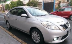 Nissan Versa 2014 Sense Standar Eléctrico Aire/Ac Sonido Stereo Airbags Faros Antiniebla-0