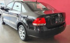 Volkswagen Vento 2015 4p Highline L4/1.6 Aut-10