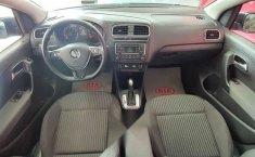 Volkswagen Vento 2015 4p Highline L4/1.6 Aut-9
