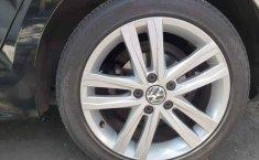 Volkswagen Jetta 2017 4p Sportline L5/2.5 Aut-8