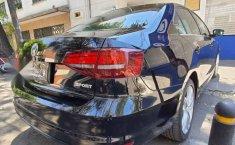 Volkswagen Jetta 2017 4p Sportline L5/2.5 Aut-1